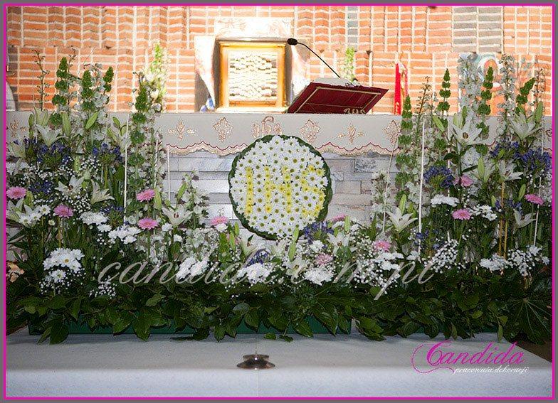 dekoracja komunijna kościoła 37