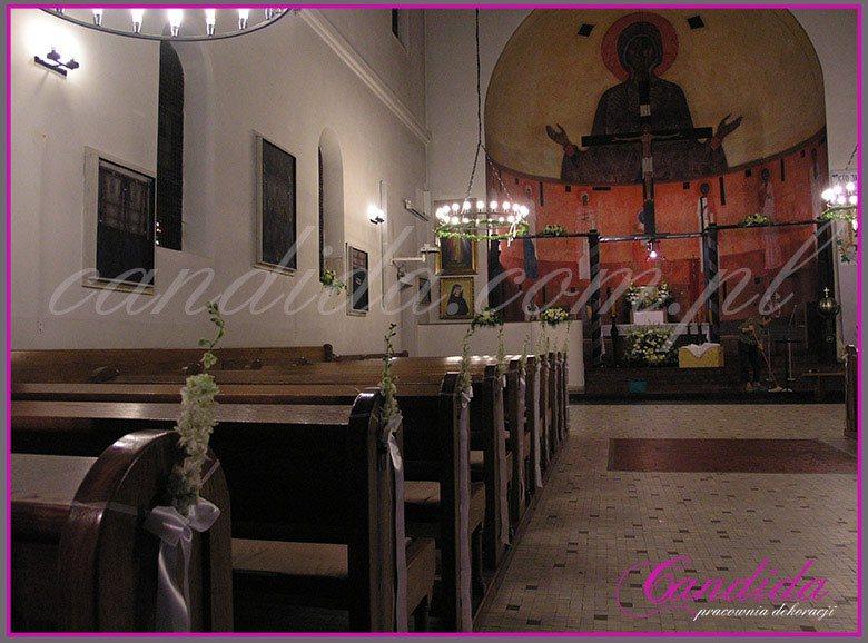dekoracja komunijna kościoła 17