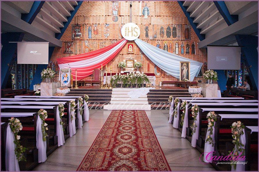 dekoracja kościoła na Komunie 45