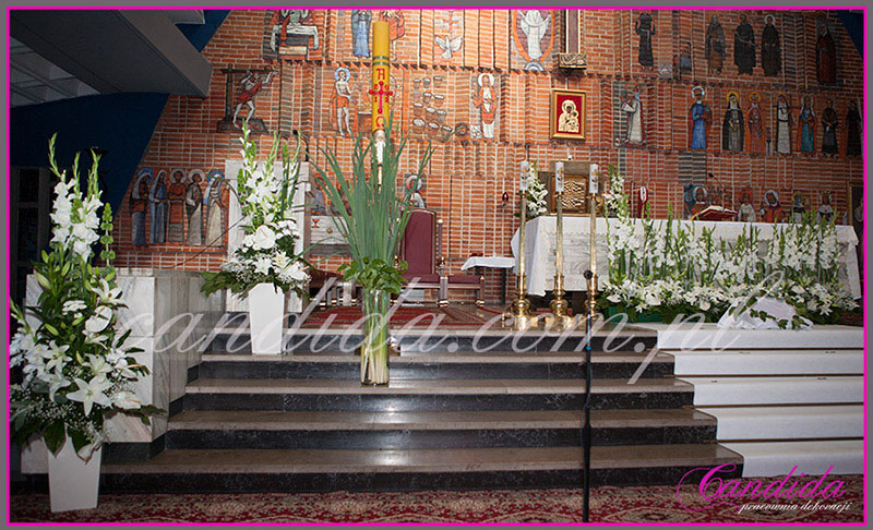 dekoracje komunijne wianki komunijne dekoracja komunijna kościoła