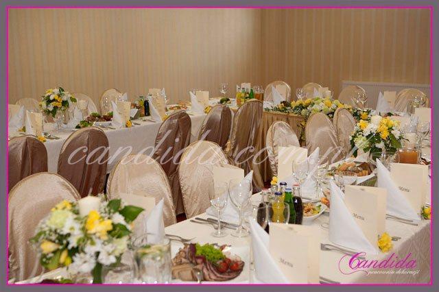 dekoracje stołów sal na przyjęcie komunijne 5