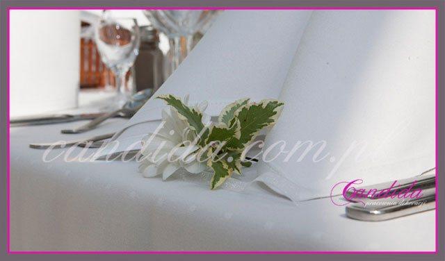 dekoracje stołów sal na przyjęcie komunijne 7