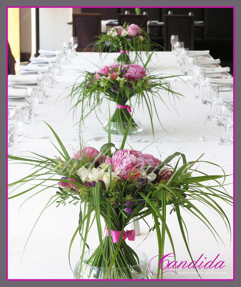 dekoracje stołów sal na przyjęcie komunijne 11