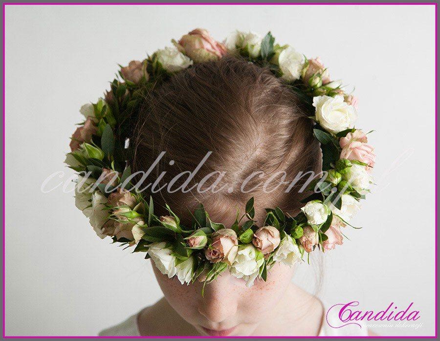 wianki komunijne żywych z kwiatów 3, wianek komunijny z róż gałązkowych