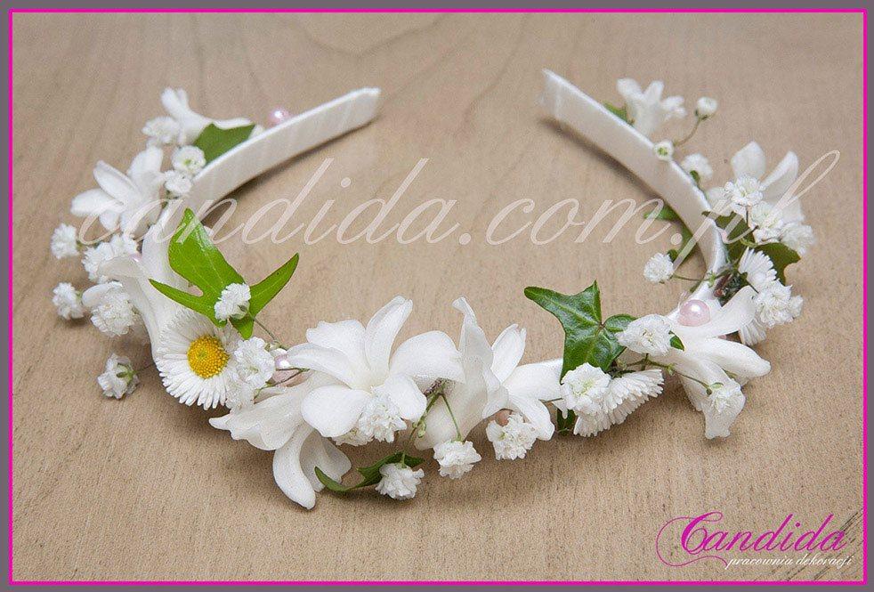 opaski komunijna z żywych kwiatów 1 opaska komunijna  z gipsówki, hiacyntów